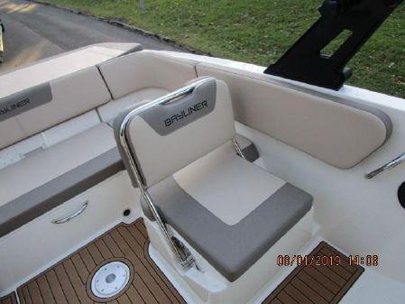 Bayliner VR6 BOW RIDER image