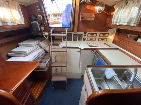 Cape Dory 33 Cutter image