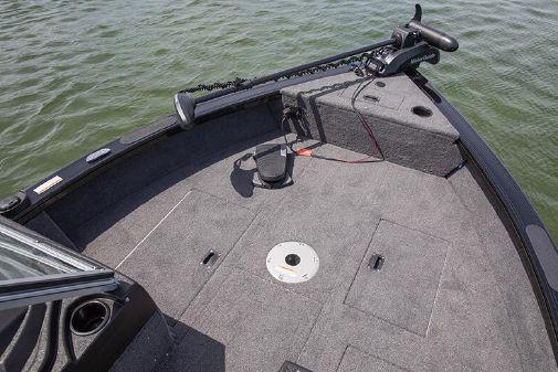 Crestliner 1750 Fish Hawk SC JS image