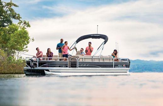 Sun Tracker Fishin' Barge 24 DLX image