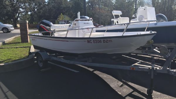 Boston Whaler Dauntless 15