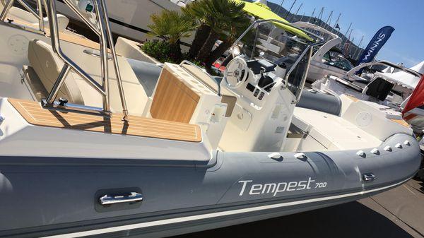 Capelli Tempest 700 Capelli Tempest 700 2016