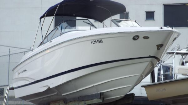 Regal 2700 Bowrider Starboard Profile 1