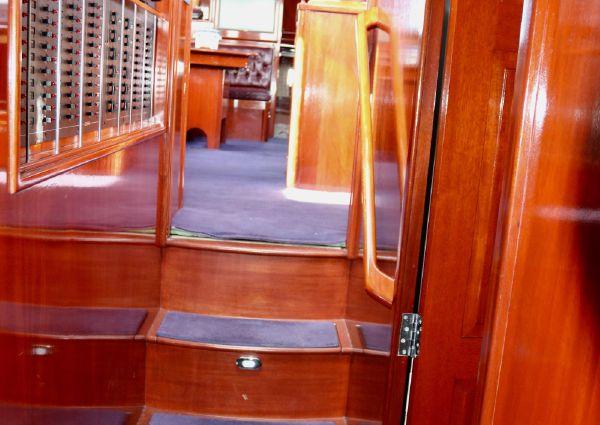 Lyman-Morse Hunt Custom Motoryacht image