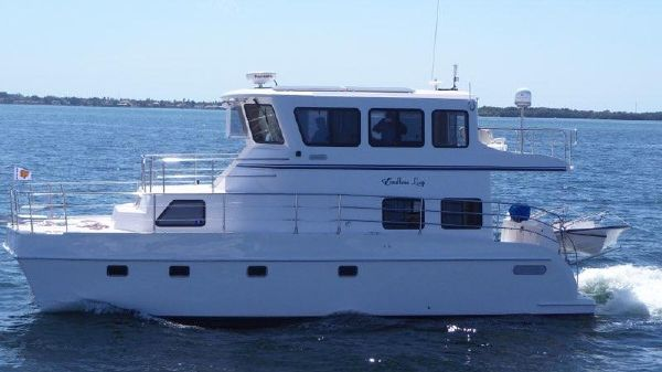 Endeavour Catamaran Trawlercat 40 Pilot House