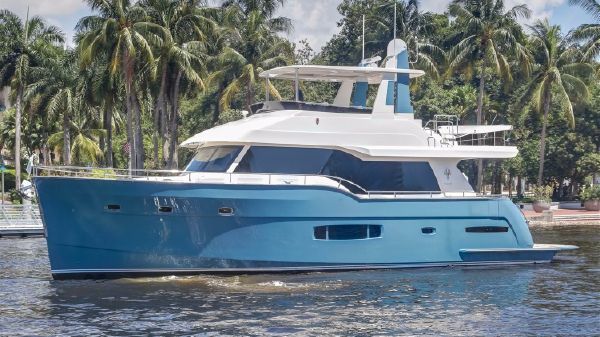 Outer Reef Yachts 620 Trident