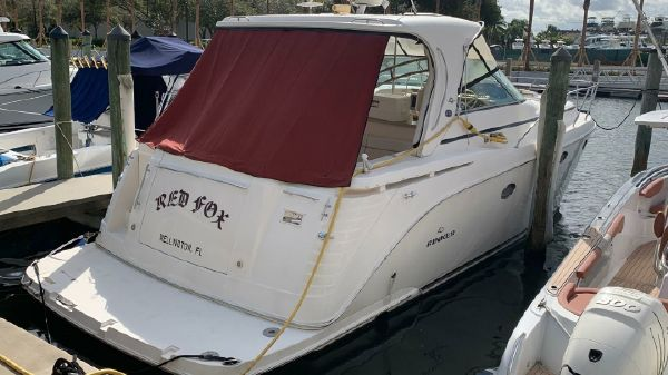 Rinker Sea Ray 410 Express Cruiser