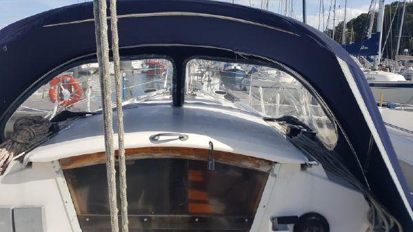 Jaguar 28 White Silk model. image