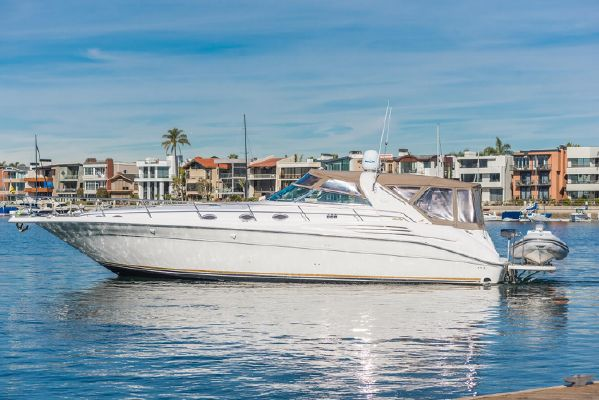 Sea Ray 450 Sundancer - main image