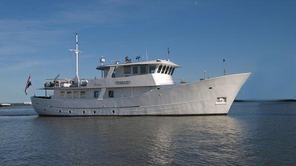 Metz Roode Trawler Charter