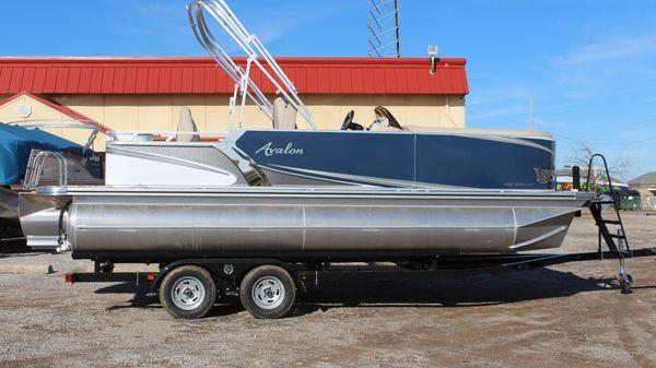 Avalon LSZ 2285 Rear Fish