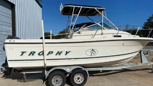Bayliner 2352 Trophy