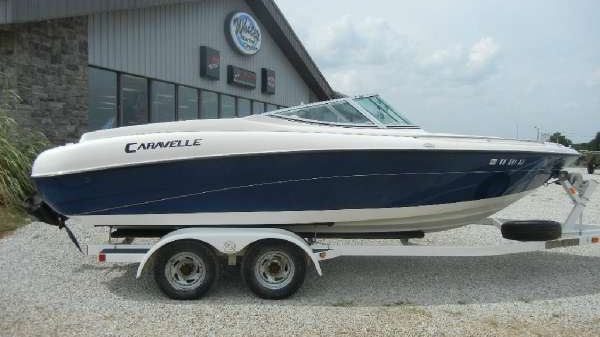 Caravelle 21' Bow Rider