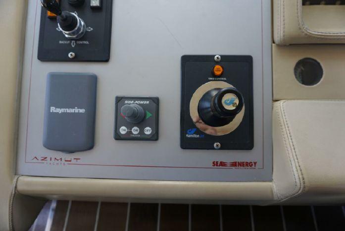 2005 Azimut 86S Sell Brokerage