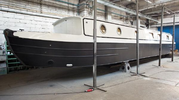 Motor Yacht Canal Boat 18M