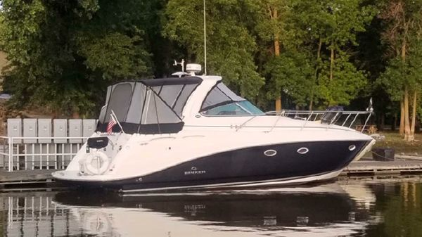 Rinker Express Cruiser 350