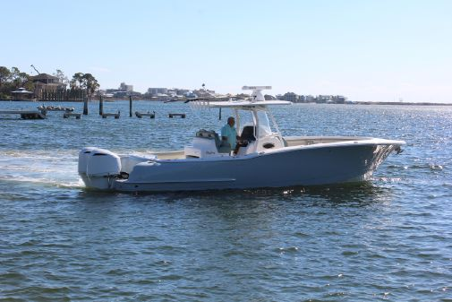 Mag Bay 33 Center Console image
