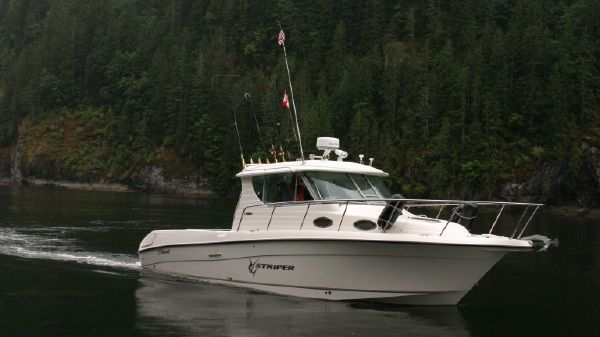 Seaswirl 2901 Striper DIESEL Pilothouse Walk Around SeaSwirl 2901 Pilothouse