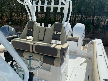 Tidewater 320 CC Adventure image