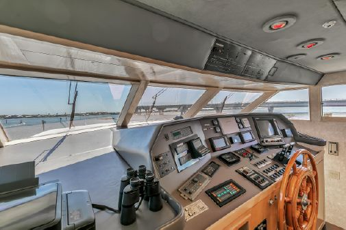 Broward 104 Raised Pilothouse image