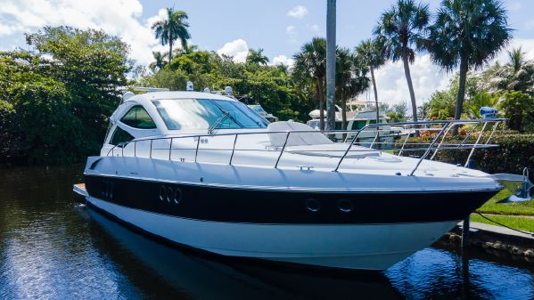 Cruisers Yachts Sports Coupe image