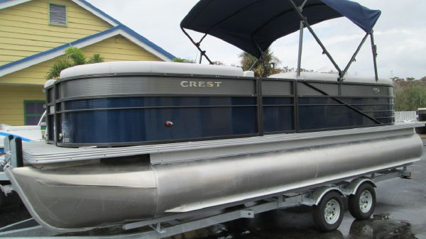 Crest II 230 SLC