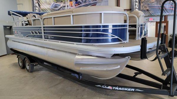 Sun Tracker SportFish 22 DLX