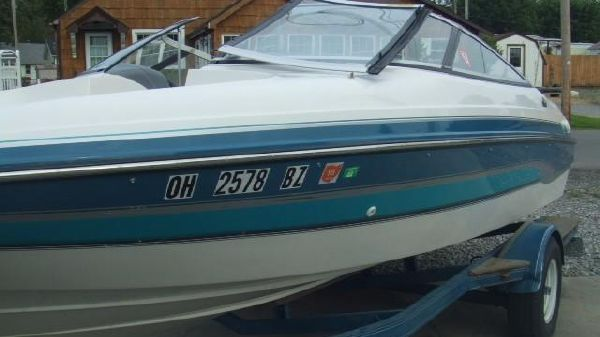 Chris-Craft 18' Bow Rider