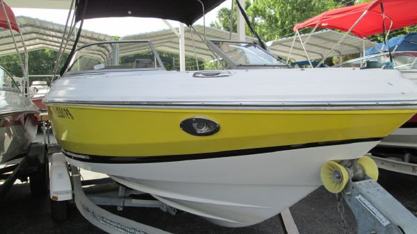 Regal 2000 Bowrider