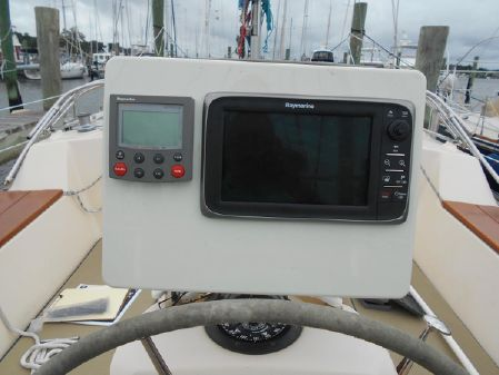 Island Packet 380 image