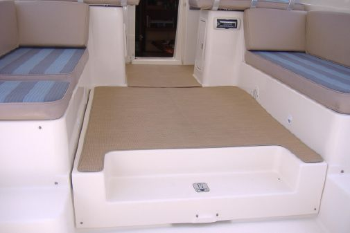 Mainship Pilot 34 Sedan image