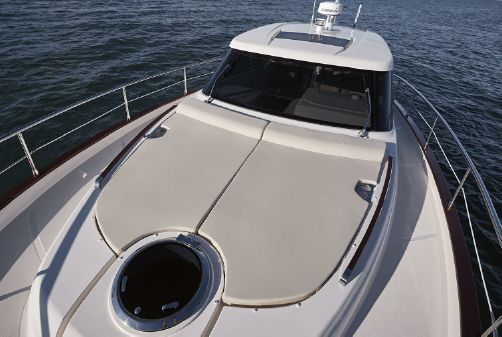 Chris-Craft Commander 44 image