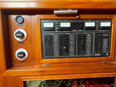Bristol 43.3 Center Cockpit image
