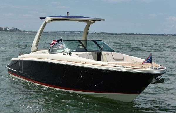 2019 Chris-Craft Launch 28 GT I/O