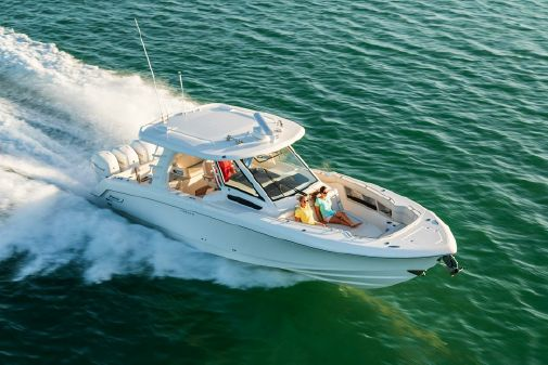 Boston Whaler 350 Realm image