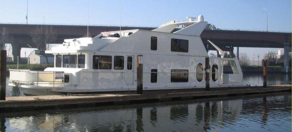 Skipperliner 72' X 19' Photo 1
