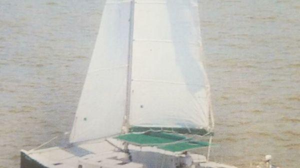 Catamaran Clipper Cat 35