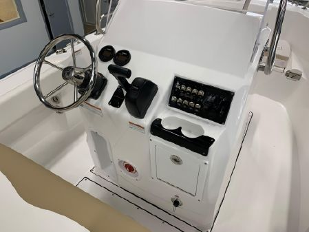 Edgewater 188CC Center Console image