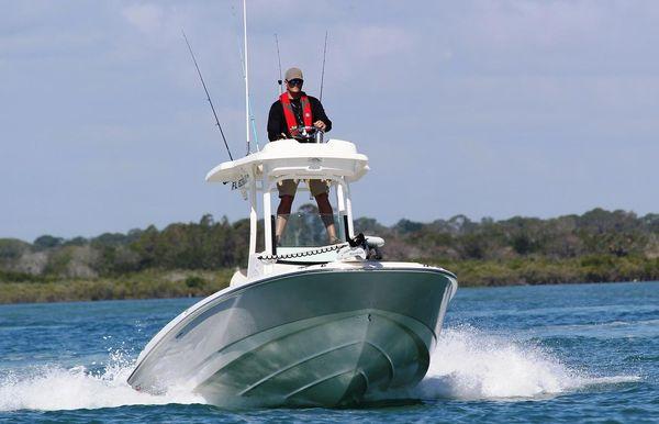 2021 Boston Whaler 240 Dauntless Pro
