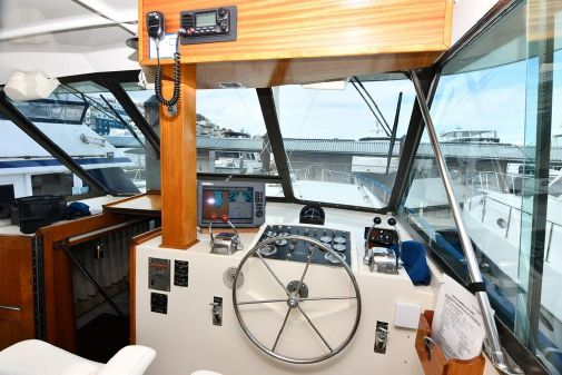 Hatteras 43 Double Cabin image