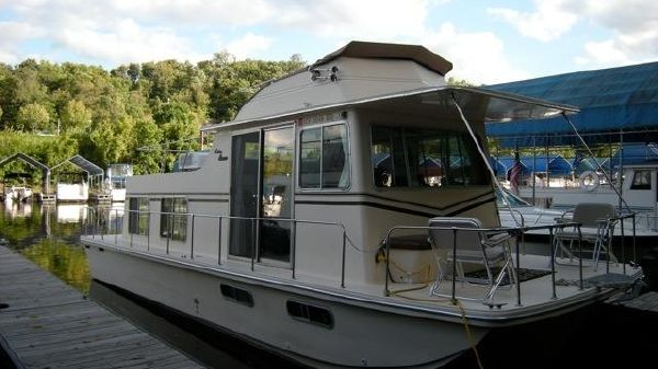 Holiday Mansion Houseboat