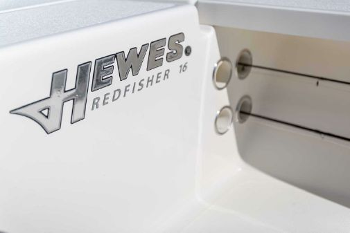 Hewes Redfisher 16 image