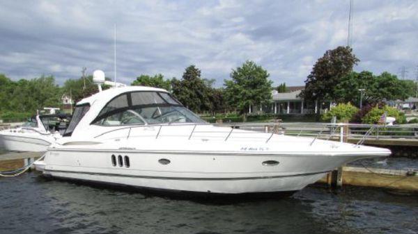 Cruisers Yachts 400 Express