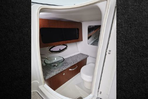 Crownline 290 SS image