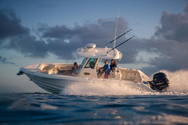 Boston Whaler 280 Outrage - main image