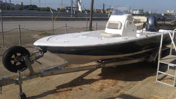 Tidewater 2110 Bay Max