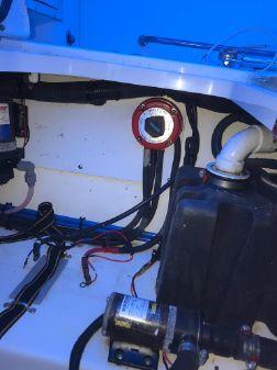 Boston Whaler 275 Conquest image