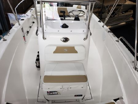 Edgewater 170CC Center Console image