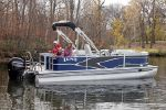 Lund LX220 Pontoon Fishimage