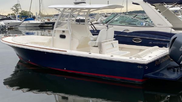 Hunt Yachts Surfhunter 25 CC